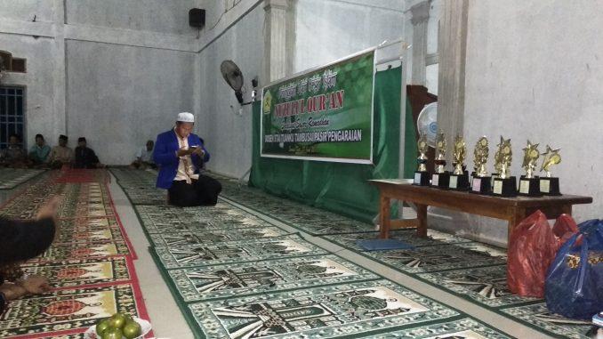 Mahasiswa KKN STAI Tuanku Tambusai Bagikan 15 Piala Penghargaan Di Safari Ramadhan